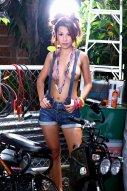 摩托车行里的老板娘Lydia人体艺术作品