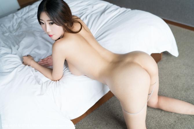 美女维娜人体艺术写真秀美臀 挺翘丰臀着有惊人弧度