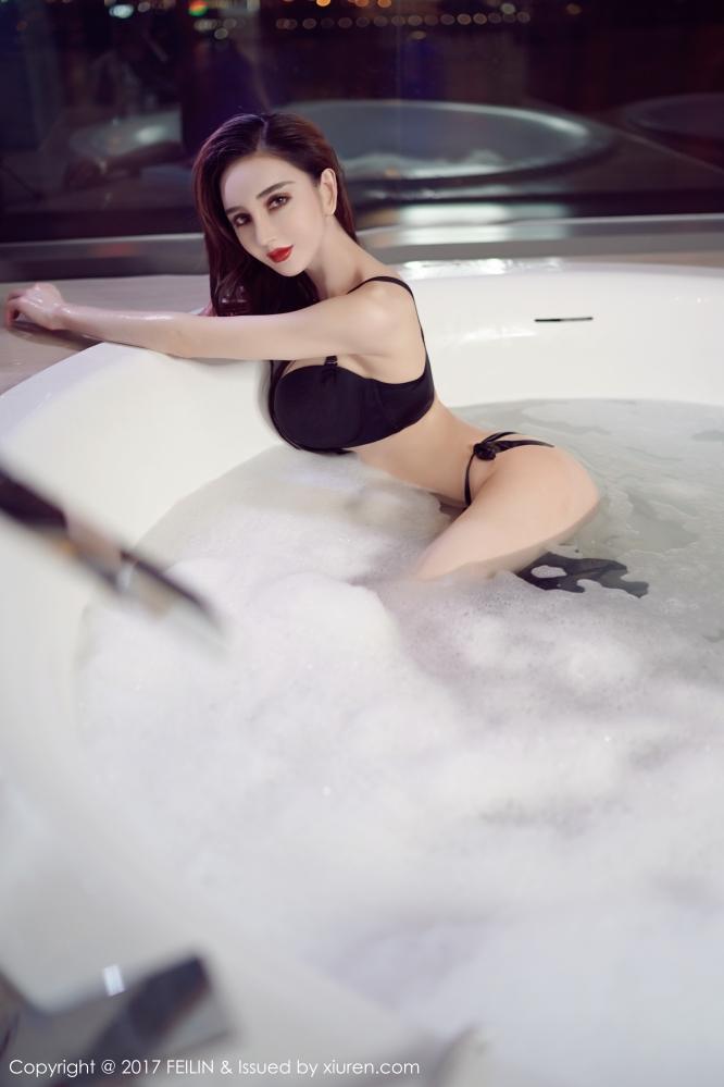 比迪丽热巴还漂亮更正点的维吾尔族美女waya小帝姬横空出世