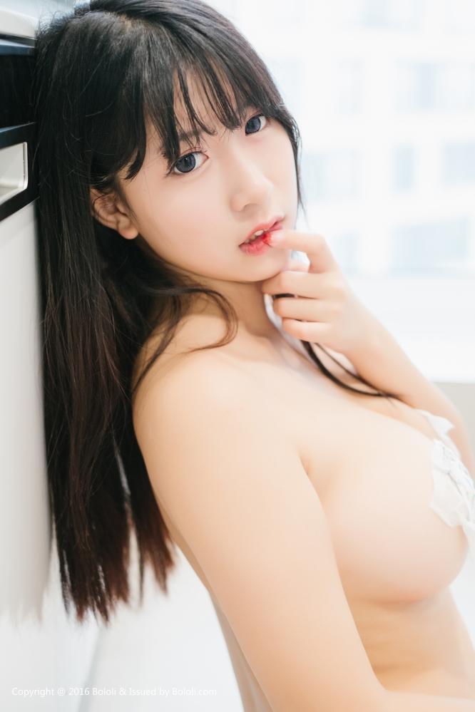 美女猫九纸巾娇羞湿身诱惑写真 滑润的背肌和美乳丰臀分外诱人