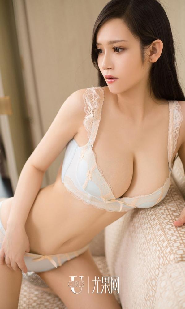性感内衣模特林美儿曲线美得像水晶般玲珑剔透